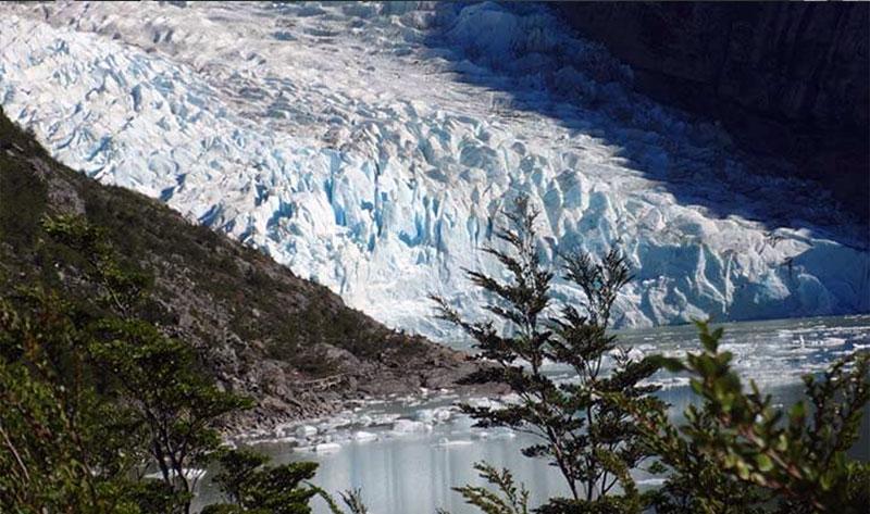 Tour Glaciar Balmaceda Serrano vista graciar 2